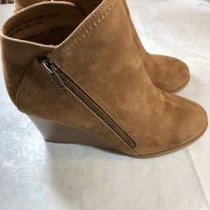 """New Ruff Hewn """"Holly"""" Wedge Ankle Boots SZ 8.5M"""
